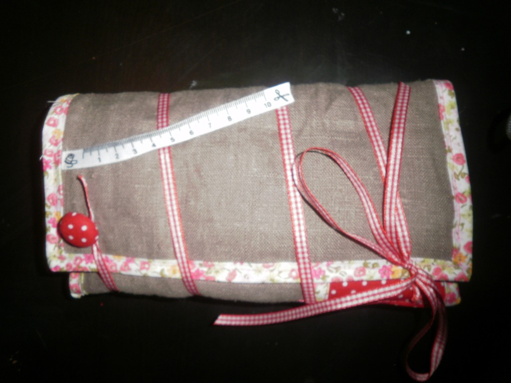 Trousse couture carabistouille for Trousse couture